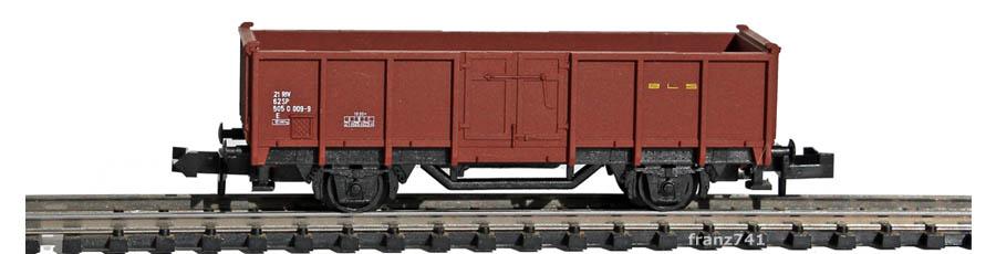 AKU-9019-Hochbordwagen-braun-BLS-Basis-Minitrix