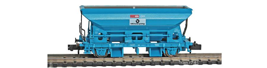 Arnold-4488-Silo-Selbstentladewagen-SBB-blau