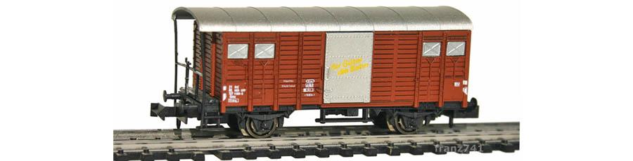 Hobbytrain-31074-Gedeckter-Gueterwagen-Haltestangen-SBB-braun-D-I