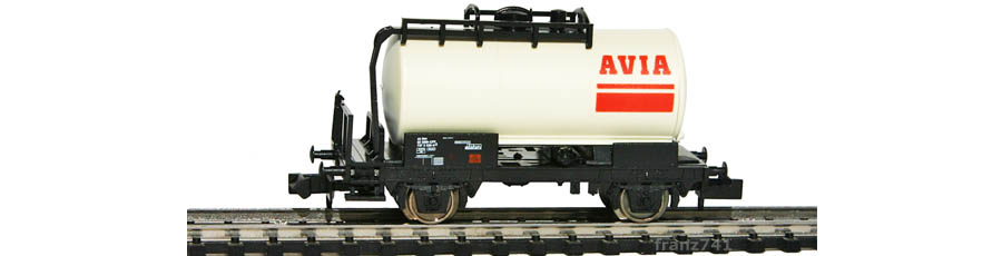 Minitrix-17102-901-Tankwagen-SBB-AVIA