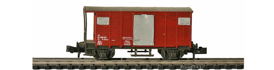 Swisstoys-13-Gklm-Gedeckter-Gueterwagen-braun-SBB-Alu-Tuere
