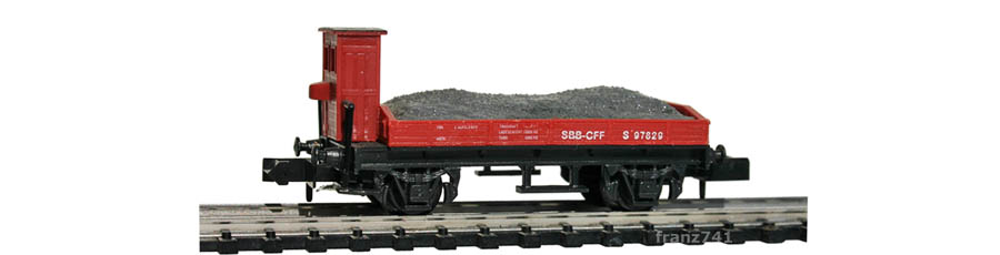 Swisstoys-14-S-Niederbordwagen-Bremserhaus-braun-SBB-Kiesladung