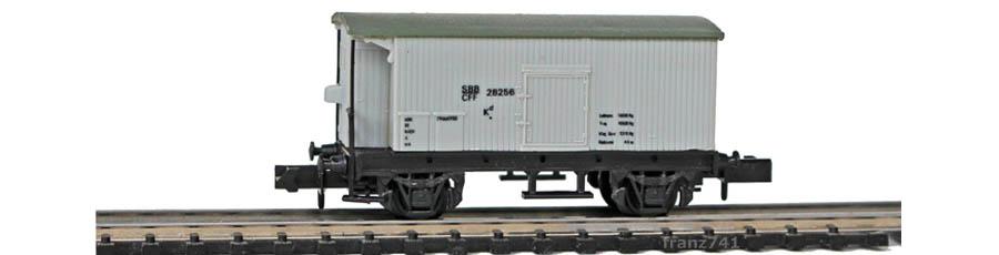 Swisstoys-15-Kd-Gedeckter-Gueterwagen-Bremserhaus-grau-SBB