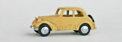 PKWs-MZZ-f194-DKW-Personenwagen-F7-700-beige