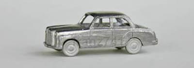 PKWs-MZZ-f24-Mercedes-180-Bausatz