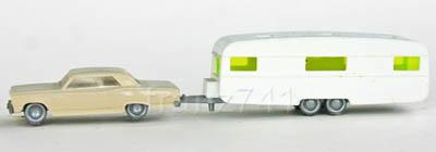 PKWs-Wiking-922-xx-x-Chevrolet-Malibu-beige-2-achs-Wohnwagen