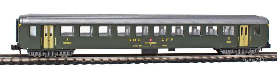 Arnold-3323-EW-I-Personenwagen-SBB-2Klasse
