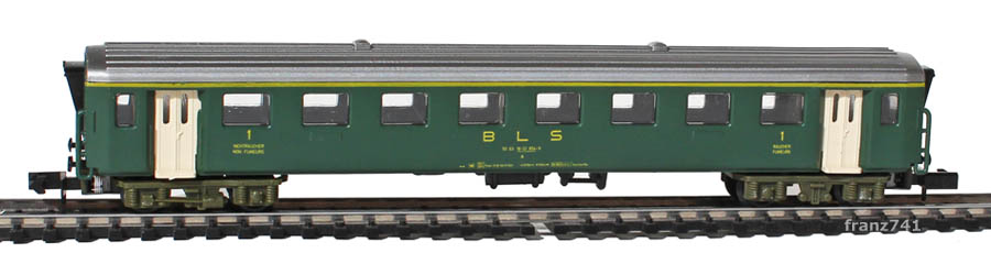 Arnold-3711-EW-I-Personenwagen-BLS-gruen-1Klasse