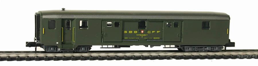 Arnold-3713-Leichtstahl-Gepaeckwagen-SBB