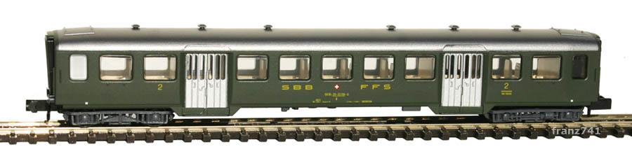 Arnold-3716-Leichtstahl-Personenwagen-SBB-2Klasse