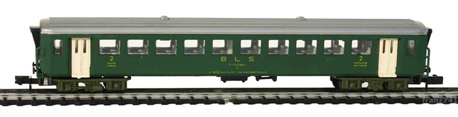 Arnold-3721-EW-I-Personenwagen-BLS-2Klasse.jpg