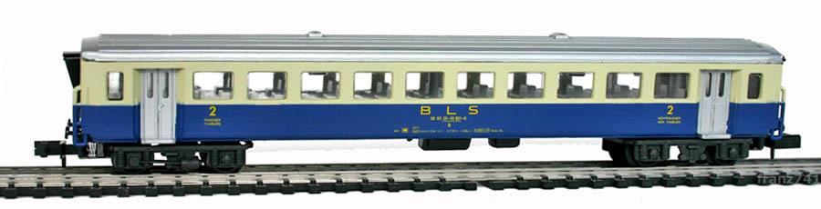 Arnold-3722-EW-I-Personenwagen-BLS-2Klasse.jpg