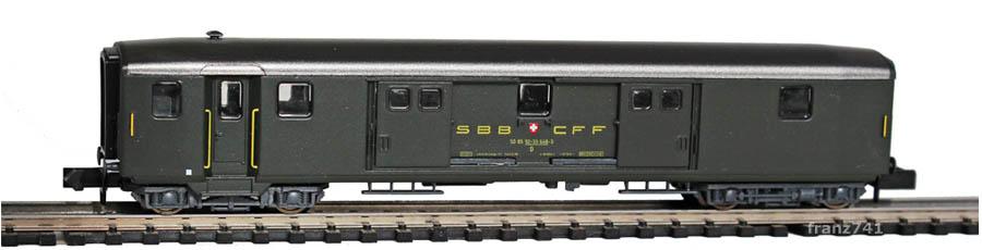 Arnold-3727-Leichtstahl-Gepaeckwagen-SBB