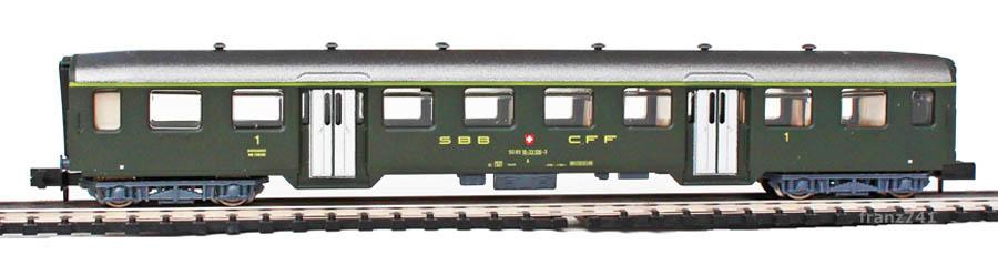 Arnold-3728-Leichtstahl-Personenwagen-SBB-1Klasse