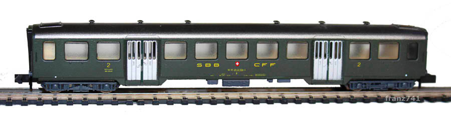 Arnold-3729-Leichtstahl-Personenwagen-SBB-2Klasse