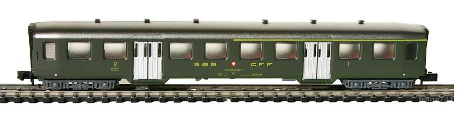 Arnold-3731-Leichtstahl-Personenwagen-SBB-1-2Klasse