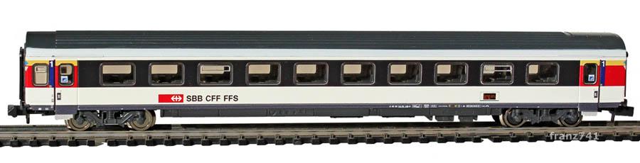 Fleischmann-8902-04-EW-IV-New-Look-Personenwagen-SBB-1Klasse-FIS