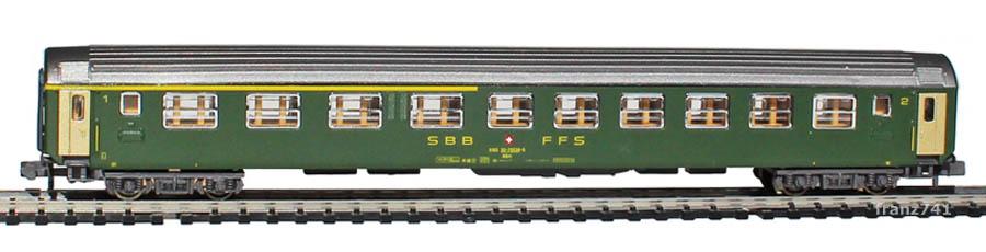 Kato-Hobbytrain-20000-2-UIC-Personenwagen-SBB_1-2Klasse-altes-Logo