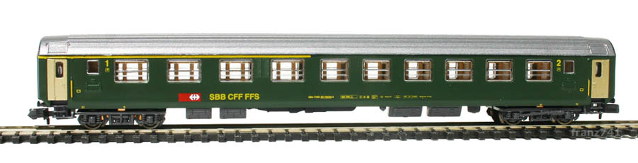 Kato-Hobbytrain-20002-Personenwagen-SBB_1-2Klasse