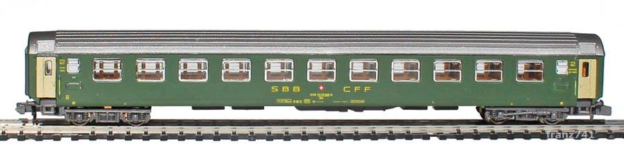 Kato-Hobbytrain-20017-UIC-Personenwagen-SBB_2Klasse-altes-Logo