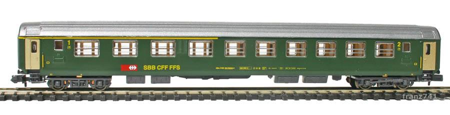 Kato-Hobbytrain-21000-2-Personenwagen-SBB_1-2Klasse
