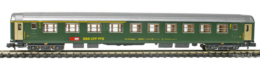 Kato-Hobbytrain-21000-3-Personenwagen-SBB_1-2Klasse