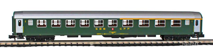 Kato-Hobbytrain-23116-UIC-Personenwagen-SBB_1-2Klasse-2Seite