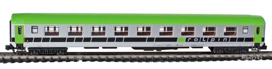 Kato-Hobbytrain-23204-RoLa-Db-Zugbegleitwagen-ralpin-HUPAC