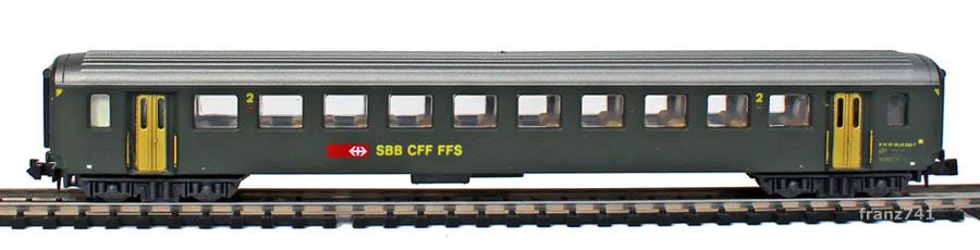 Lima-320811-EW-I-Personenwagen-SBB-2Klasse