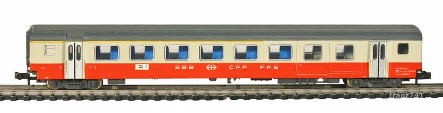 Minitrix-11031-5-SwissExpress-Personenwagen-SBB-1Klasse-mit-Gepaeckabteil