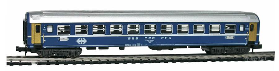 Minitrix-13067-Schlafwagen-SBB-2Klasse