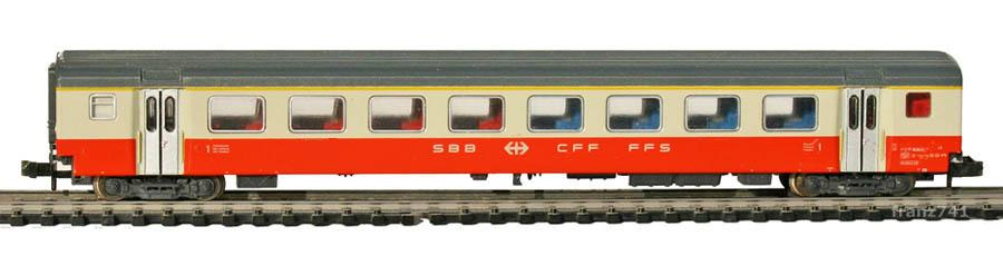 Minitrix-13146-SwissExpress-Personenwagen-SBB-1Klasse