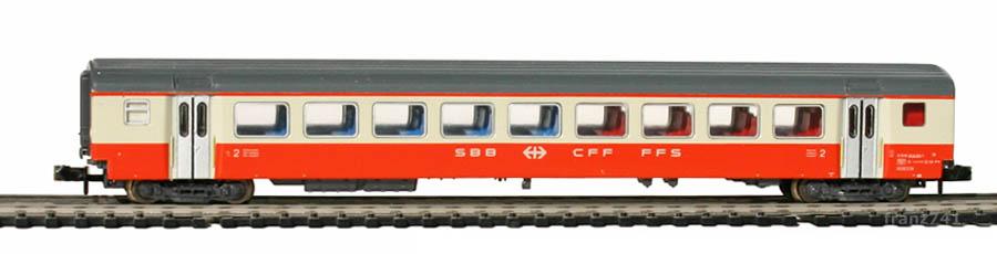Minitrix-13147-SwissExpress-Personenwagen-SBB-2Klasse
