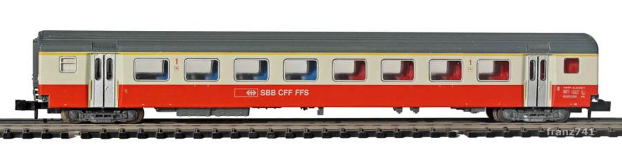 Minitrix-13320-SwissExpress-Personenwagen-SBB-1Klasse