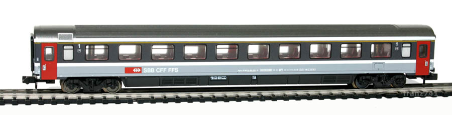 Minitrix-13365-Personenwagen-SBB-1Klasse