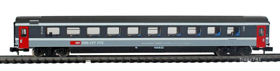 Minitrix-13708-2-EC-Personenwagen-SBB-2Klasse