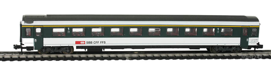 Roco-24274-V4-Personenwagen-SBB-1Klasse
