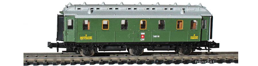 Unbekannt-B3-3-achs-Personenwagen-geschlossene-Plattform-SBB-2Klasse_S2