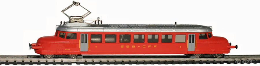 Hobbytrain-2640-RBe-2-4-1003-Personen-Triebwagen-SBB-Roter-Pfeil